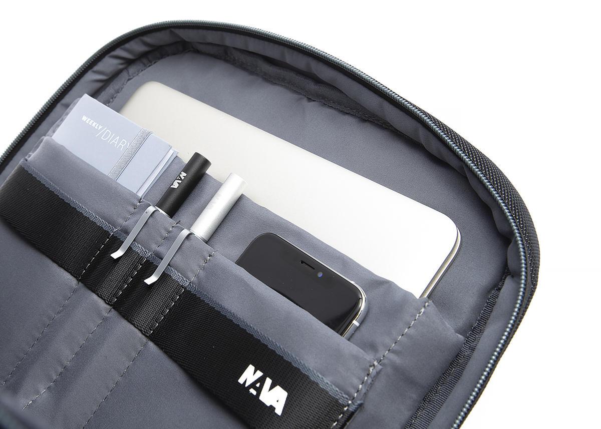 Nava Zaino Cross con 1 scomparto con porta PC e iPad Nero - Grigio