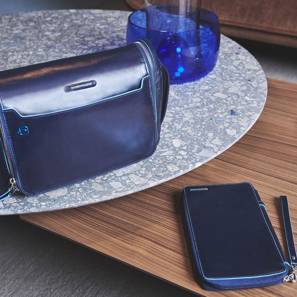 Piquadro Porta documenti da viaggio Blue Square con porta carte di credito, portapenne e pochette removibile Nero